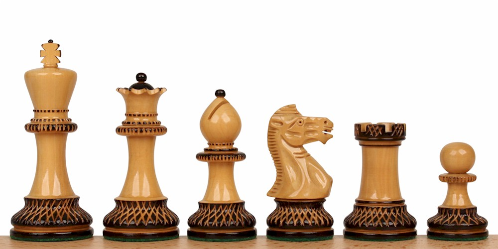 How to play chess hover over the chess pieces thinglink - Simple chess set ...