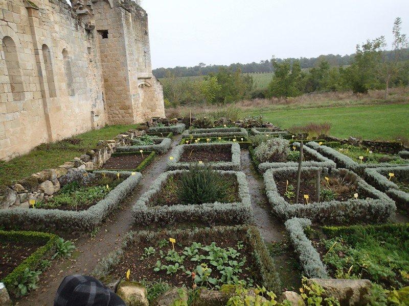 Jardin m dieval de la commanderie de sallebruneau thinglink for Jardin tablet uses