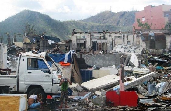 Dans l'Huma ce mardi : Noel solidaire avec les Philippines .