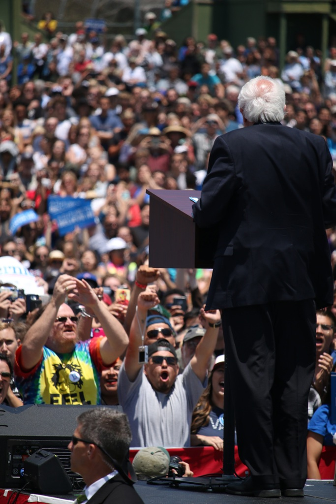 Bernie Sanders makes once in a lifetime Ventura appearance