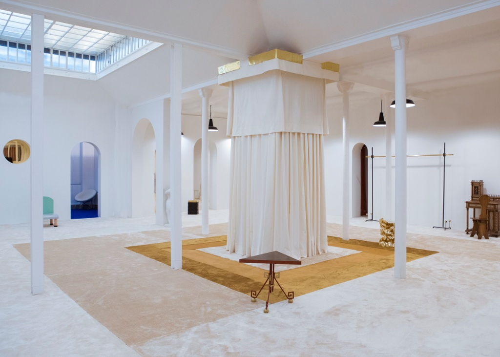 En images : le showroom Paul Poiret conçu par Boris Devis