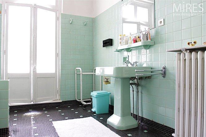 lavabo ann es 30 carrelage pas cher produits chers et q thinglink. Black Bedroom Furniture Sets. Home Design Ideas