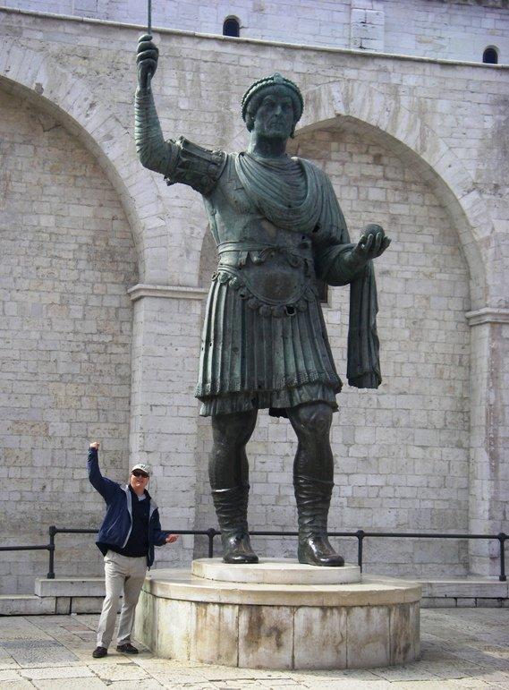 alfarano sindaco barletta statue - photo#9