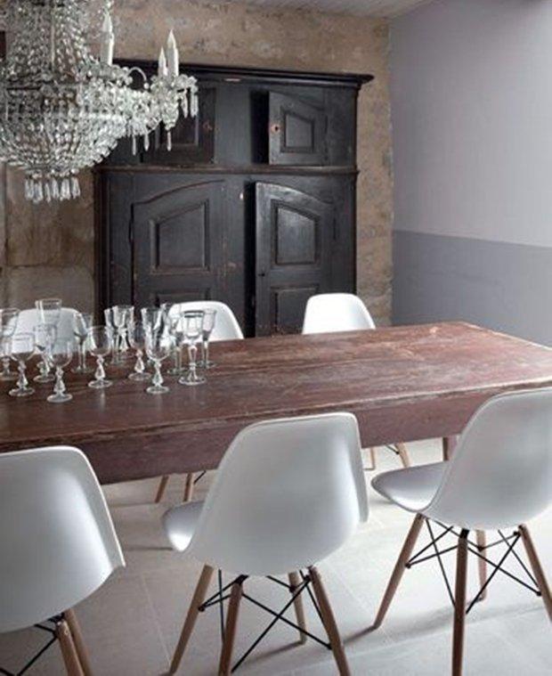 der wei e eames dsw stuhl wirkt klassisch und modern zugl. Black Bedroom Furniture Sets. Home Design Ideas