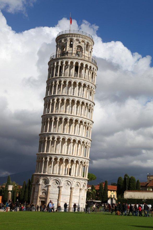 foto de La Torre de Pisa o Torre inclinada de Pisa (en italiano:
