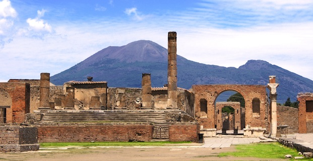 mtvesuvius on the west coast of italy is the only main