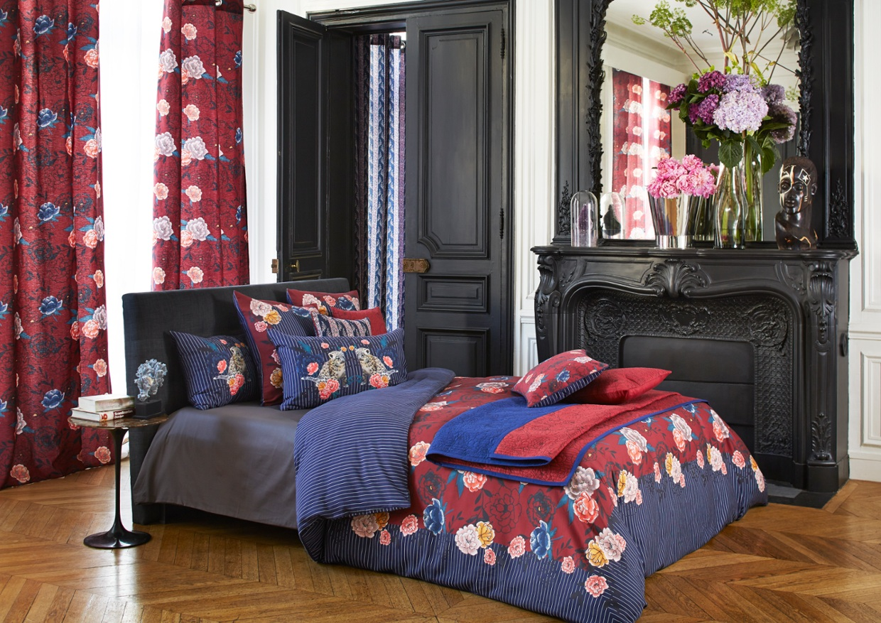 cama eux de rouge et motif jungle paul joe parure de lit. Black Bedroom Furniture Sets. Home Design Ideas