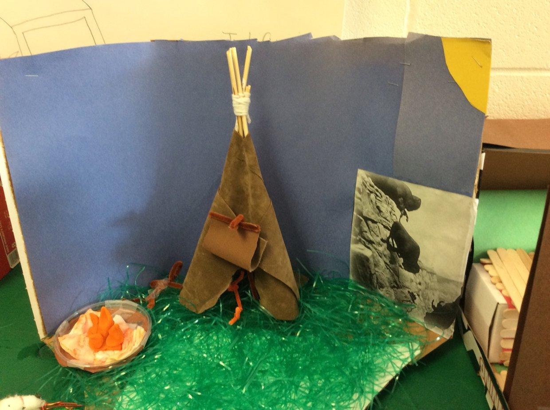 Aicha Kylie diorama   project