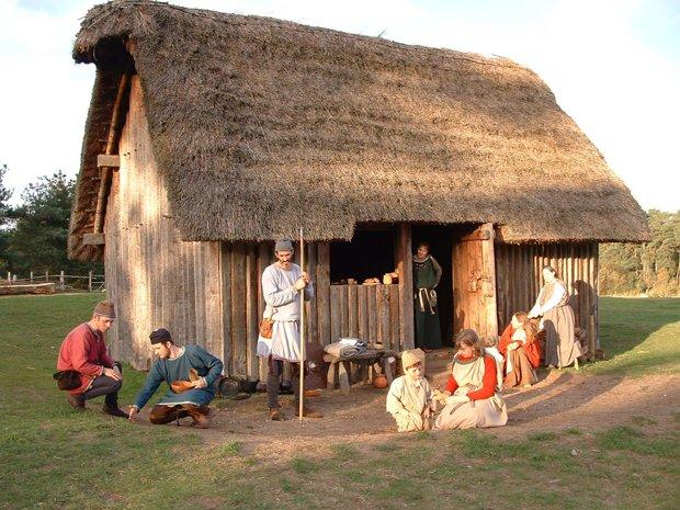 Anglo Saxon Clothing Anglo Saxon House Anglo Saxon Cul