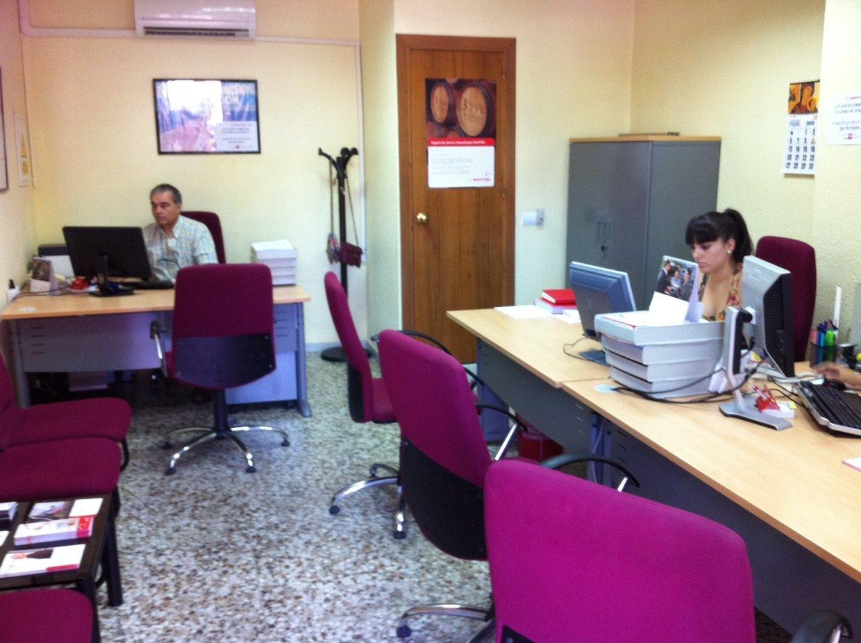 Riesgos laborales en oficina thinglink for Riesgos laborales en oficinas