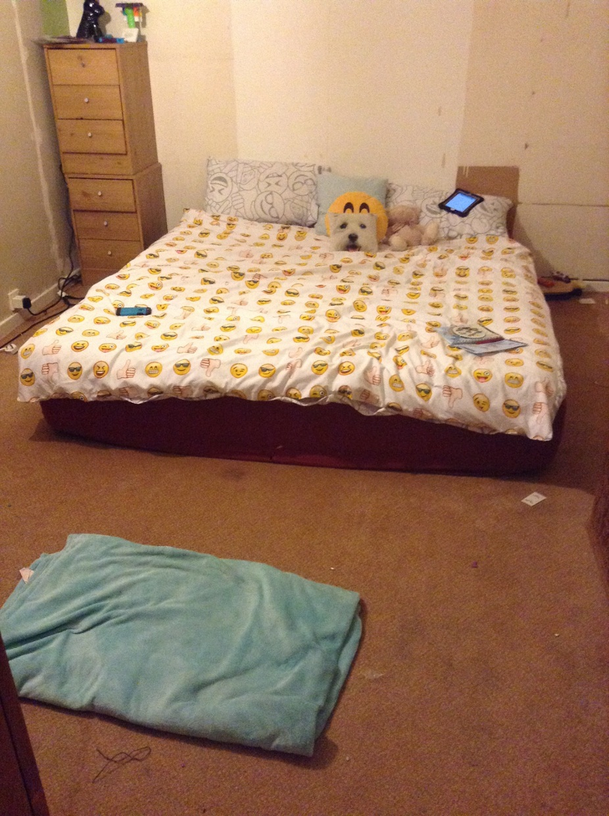 la table de nuit le lit la commode l arnoie est 225 do thinglink
