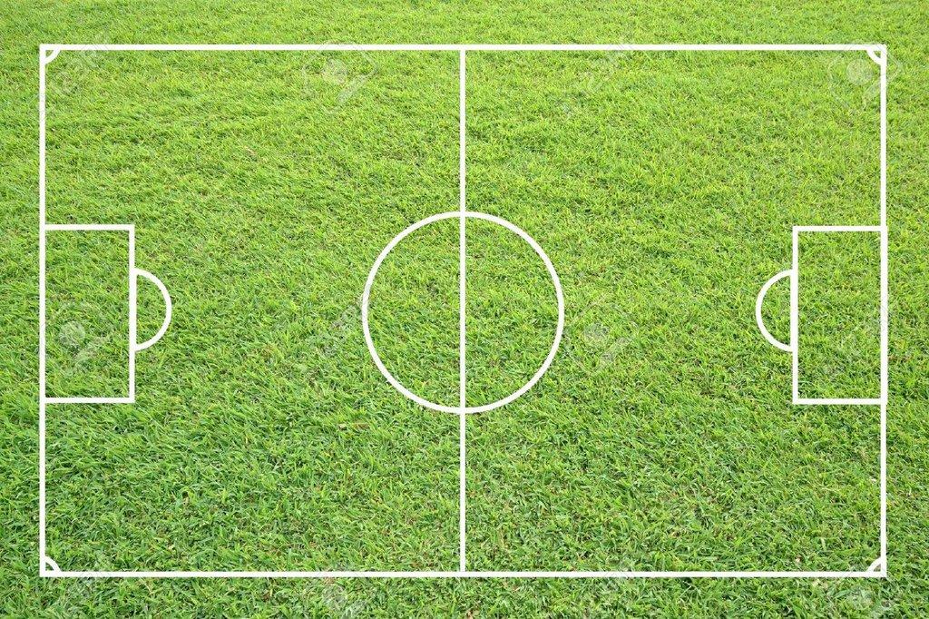 ملعب كرة القدم القانوني