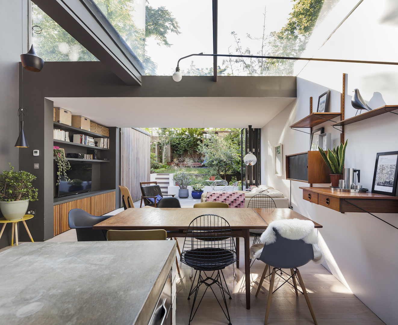 The Study House living room, dining room by Studio 30 Architects