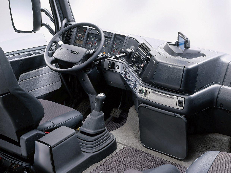 Volvo FH12 interior JoonaRantanen Petteri Elomaa LogKu15BVI
