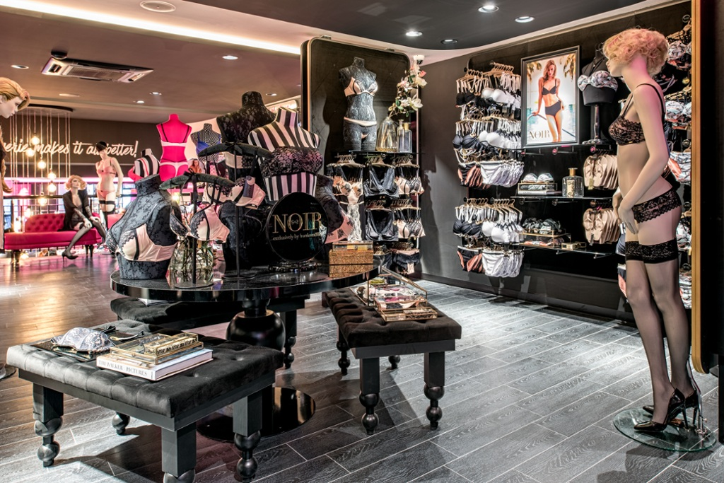 Dit is de flagshipstore van Hunkemöller in de Kalverstraat