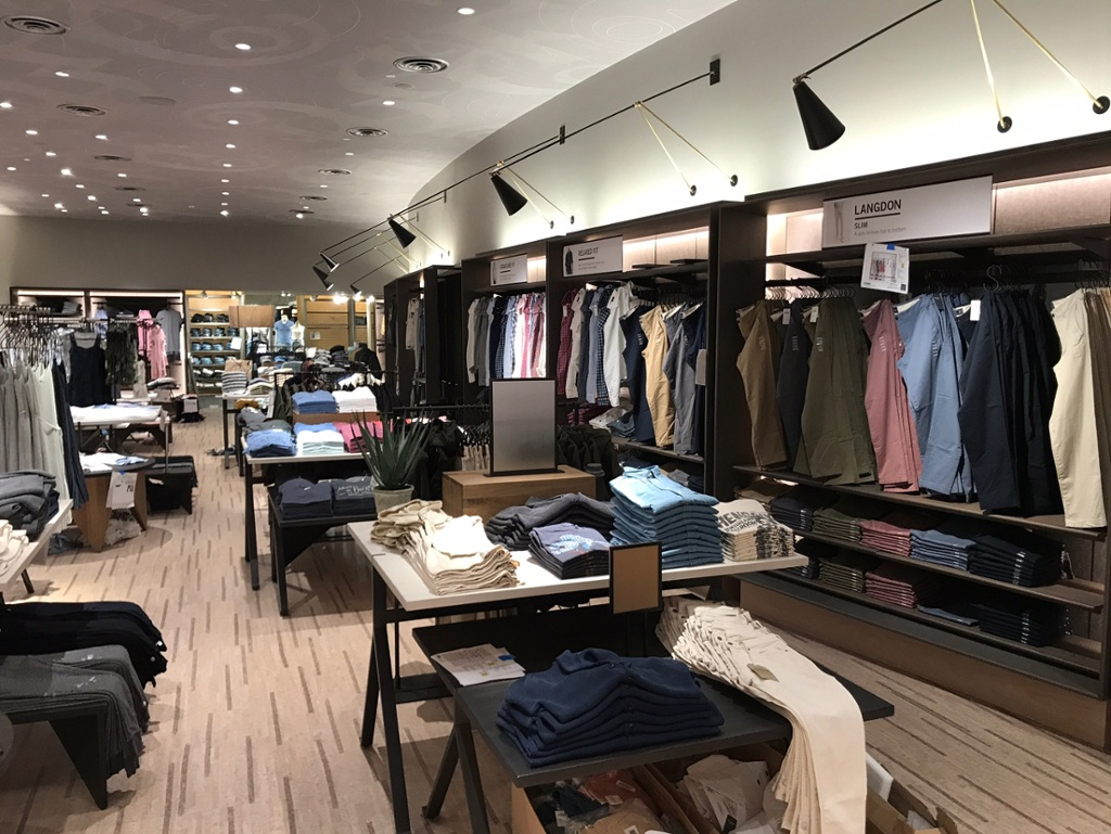 In Pictures: Abercrombie & Fitch goes retro with new store design