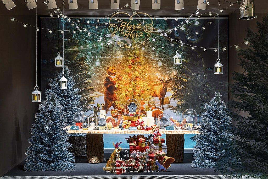 Kaufhäuser: Weihnachten in den Schaufenstern