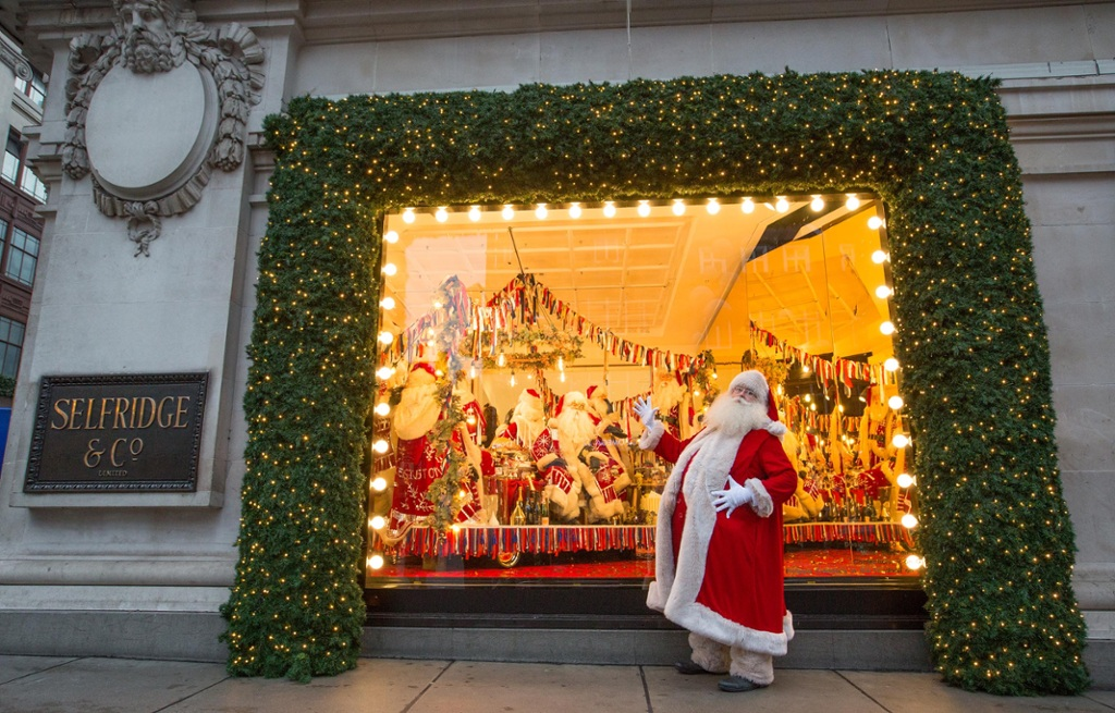 Christmas Window Displays.The Best Christmas Window Displays From Around The World